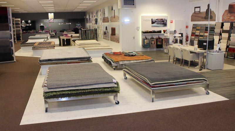 Bekijk 550 vloerkleden en karpetten in onze showroom